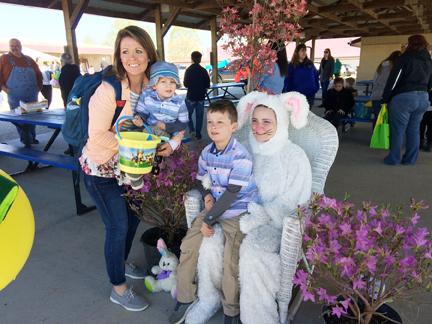 13. Easter bunny eckhoff family web IMG_7272.jpg