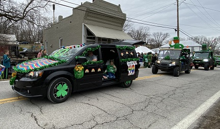 5. parade 1 IMG_4684.jpg