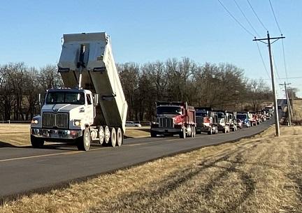 8. dump trucks 4IMG_4100.jpg