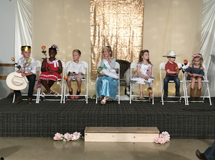1. Little Miss and Mster group of best of class and winners web IMG_2563.jpg