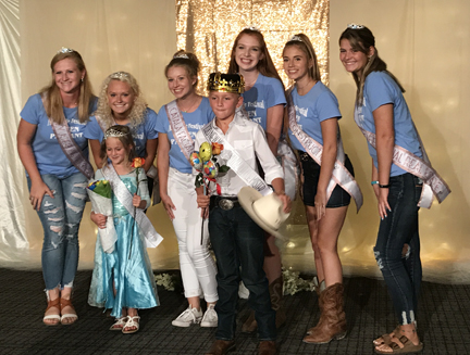 2. Little Mss and Mr winners with queens web IMG_2568.jpg