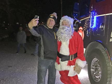 5. Santa and Dan taking a selfie web IMG_3304.jpg