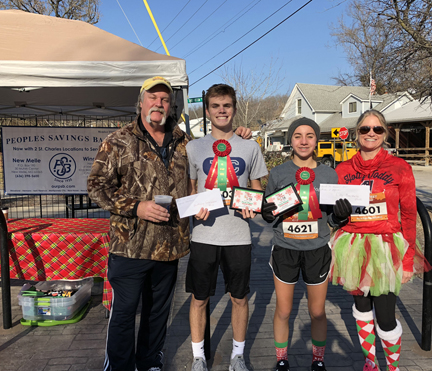 3. race winners with tom yeager and stacey crowder web image3.jpg