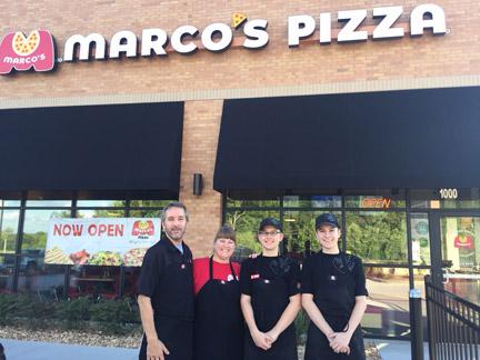 Marcos Pizza famliy web IMG_2449.jpg