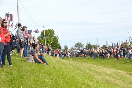 11. crowd web DSC_0316.jpg