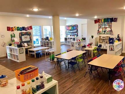 pocket of preschool classroom 17098380_397037193991162_3634433210957888771_n (1).jpg