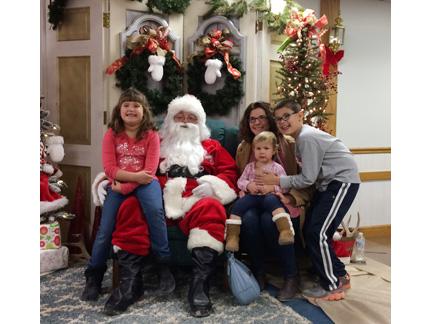 14. pics with Santa Brakensieks web IMG_2394.jpg