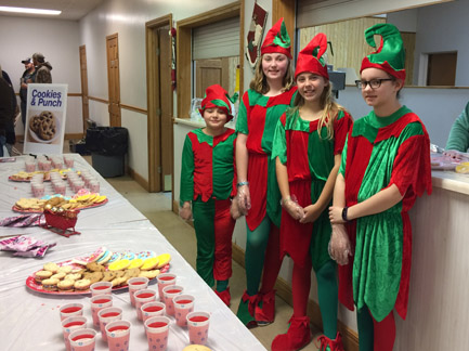10. Brownies and Jr. Girls Scouts Elves web IMG_6234.jpg
