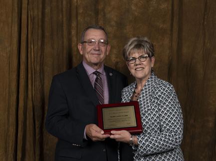 CREC May Jane Clark Web award AMEC ANNUAL MEETING AWARD PHOTOS 035 20181011 (2).jpg