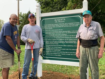 1. bdhs finished sign & 3 volunteers web.jpg